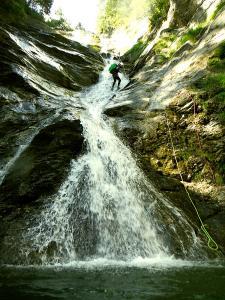 Barranco-Lapazosa-Barranquismo-en-Sobrarbe-Ordesa-Bujaruelo-Aínsa-Canyoning-Guías-de-Barrancos-Canyon-Guides-9
