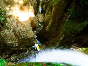 Barranco-Olhadubie-Barranquismo-Descenso-de-cañones-Canyoning-Iparralde-Kakueta-Holtzarte-Navarra-Guías-de-Barrancos-Canyon-Guides-11jpg
