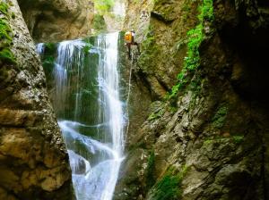 Barranco-Olhadubie-Barranquismo-Descenso-de-cañones-Canyoning-Iparralde-Kakueta-Holtzarte-Navarra-Guías-de-Barrancos-Canyon-Guides-14