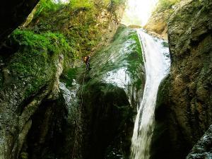 Barranco-Olhadubie-Barranquismo-Descenso-de-cañones-Canyoning-Iparralde-Kakueta-Holtzarte-Navarra-Guías-de-Barrancos-Canyon-Guides-21