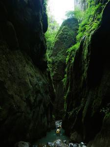 Barranco-Olhadubie-Barranquismo-Descenso-de-cañones-Canyoning-Iparralde-Kakueta-Holtzarte-Navarra-Guías-de-Barrancos-Canyon-Guides-24