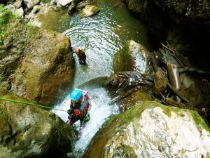 Barranco-Olhadubie-Barranquismo-Descenso-de-cañones-Canyoning-Iparralde-Kakueta-Holtzarte-Navarra-Guías-de-Barrancos-Canyon-Guides-8