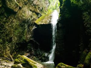 Barranco-Olhadubie-Barranquismo-Descenso-de-cañones-Canyoning-Iparralde-Kakueta-Holtzarte-Navarra-Guías-de-Barrancos-Canyon-Guides-9