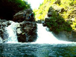 Garganta-Ordiso-Barranquismo-en-Sobrarbe-Ordesa-Bujaruelo-Aínsa-Canyoning-Guías-de-Barrancos-Canyon-Guides-11