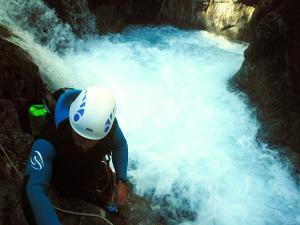 Garganta-Ordiso-Barranquismo-en-Sobrarbe-Ordesa-Bujaruelo-Aínsa-Canyoning-Guías-de-Barrancos-Canyon-Guides-15