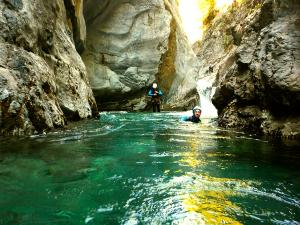 Garganta-Ordiso-Barranquismo-en-Sobrarbe-Ordesa-Bujaruelo-Aínsa-Canyoning-Guías-de-Barrancos-Canyon-Guides-17