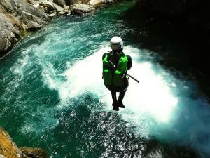 Garganta-Ordiso-Barranquismo-en-Sobrarbe-Ordesa-Bujaruelo-Aínsa-Canyoning-Guías-de-Barrancos-Canyon-Guides-19