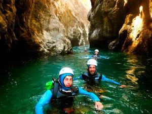 Garganta-Ordiso-Barranquismo-en-Sobrarbe-Ordesa-Bujaruelo-Aínsa-Canyoning-Guías-de-Barrancos-Canyon-Guides-20