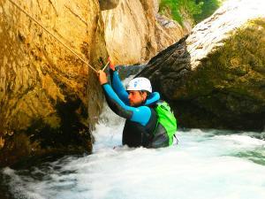 Garganta-Ordiso-Barranquismo-en-Sobrarbe-Ordesa-Bujaruelo-Aínsa-Canyoning-Guías-de-Barrancos-Canyon-Guides-21