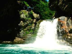 Garganta-Ordiso-Barranquismo-en-Sobrarbe-Ordesa-Bujaruelo-Aínsa-Canyoning-Guías-de-Barrancos-Canyon-Guides-23