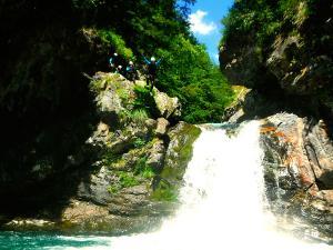 Garganta-Ordiso-Barranquismo-en-Sobrarbe-Ordesa-Bujaruelo-Aínsa-Canyoning-Guías-de-Barrancos-Canyon-Guides-24