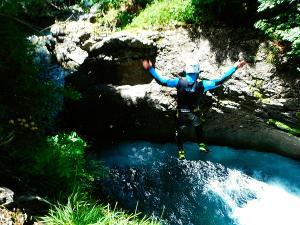 Garganta-Ordiso-Barranquismo-en-Sobrarbe-Ordesa-Bujaruelo-Aínsa-Canyoning-Guías-de-Barrancos-Canyon-Guides-29
