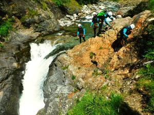 Garganta-Ordiso-Barranquismo-en-Sobrarbe-Ordesa-Bujaruelo-Aínsa-Canyoning-Guías-de-Barrancos-Canyon-Guides-30