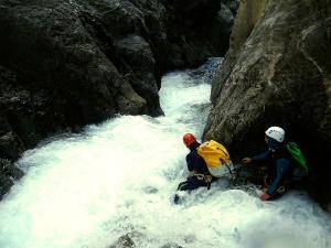 Garganta-Ordiso-Barranquismo-en-Sobrarbe-Ordesa-Bujaruelo-Aínsa-Canyoning-Guías-de-Barrancos-Canyon-Guides-4