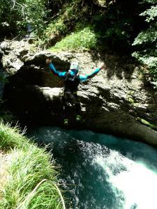 Garganta-Ordiso-Barranquismo-en-Sobrarbe-Ordesa-Bujaruelo-Aínsa-Canyoning-Guías-de-Barrancos-Canyon-Guides-7
