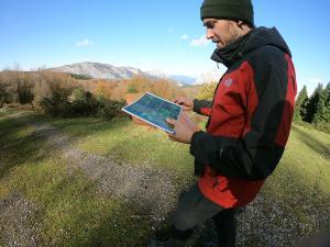 orientación-en-Urkiola-Turismo-activo-euskadi-Lurra-Adventure-Orientación-interpretatiava-7