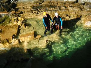 Os-Lucas-Barranquismo-Valle-de-Tena-Valle-de-Ossau-Descenso-de-cañones-barranquismo-valle-de-hecho-guías-de-montaña-y-barrancos-Mountain-and-canyon-guides-canyoning-Lurra-adventure-15