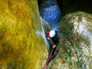 Barranco-Oudaybi-Barranquismo-Descenso-de-cañones-Canyoning-Iparralde-Kakueta-Holtzarte-Navarra-Guías-de-Barrancos-Canyon-Guides-13
