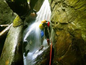 Barranco-Oudaybi-Barranquismo-Descenso-de-cañones-Canyoning-Iparralde-Kakueta-Holtzarte-Navarra-Guías-de-Barrancos-Canyon-Guides-14