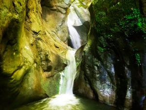 Barranco-Oudaybi-Barranquismo-Descenso-de-cañones-Canyoning-Iparralde-Kakueta-Holtzarte-Navarra-Guías-de-Barrancos-Canyon-Guides-2