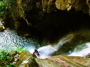 Barranco-Oudaybi-Barranquismo-Descenso-de-cañones-Canyoning-Iparralde-Kakueta-Holtzarte-Navarra-Guías-de-Barrancos-Canyon-Guides-7