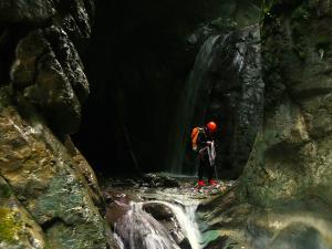 Barranquismo-en-Navarra-Barranco-Ourdaybi-Barranquismo-en-Navarra-Descenso-de-cañones-Canyoning-Iparralde-Kakueta-Holtzarte-Navarra-Guías-de-Barrancos-Canyon-Guides-20