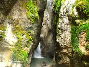 Barranquismo-en-Navarra-Barranco-Ourdaybi-Barranquismo-en-Navarra-Descenso-de-cañones-Canyoning-Iparralde-Kakueta-Holtzarte-Navarra-Guías-de-Barrancos-Canyon-Guides-21jpg