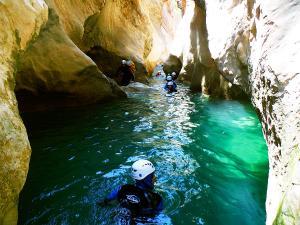 Descenso-barranco-Peonera-Barranquismo-Sierra-de-Guara-Guías-de-Barrancos-Canyoning-Canyon-Guides-Mendi-eta-arroila-gidariak-Arroila-jeitsiera-13