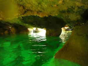 Descenso-barranco-Petit-Mascun-Barranquismo-en-familia-Sierra-de-Guara-Guías-de-Barrancos-Canyoning-Canyon-Guides-Mendi-eta-arroila-gidariak-Arroila-jeitsiera-10