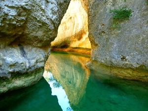 Descenso-barranco-Petit-Mascun-Barranquismo-en-familia-Sierra-de-Guara-Guías-de-Barrancos-Canyoning-Canyon-Guides-Mendi-eta-arroila-gidariak-Arroila-jeitsiera-4