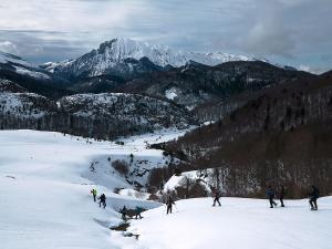 Raquetas-de-nieve-n-Belagua-Raquetas-de-nieve-en-Navarra-Elur-erraketak-Belagoan-Elur-erraketak-Nafarroan-Snowshoeing-in-Belagua-Snowshoeing-in-Navarra-Guías-de-montaña-Mendi-gidariak-web-18b