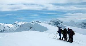 Raquetas-de-nieve-n-Belagua-Raquetas-de-nieve-en-Navarra-Elur-erraketak-Belagoan-Elur-erraketak-Nafarroan-Snowshoeing-in-Belagua-Snowshoeing-in-Navarra-Guías-de-montaña-Mendi-gidariak-web-21b