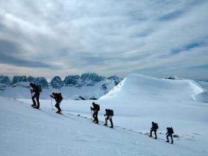 Raquetas-de-nieve-n-Belagua-Raquetas-de-nieve-en-Navarra-Elur-erraketak-Belagoan-Elur-erraketak-Nafarroan-Snowshoeing-in-Belagua-Snowshoeing-in-Navarra-Guías-de-montaña-Mendi-gidariak-web-24b