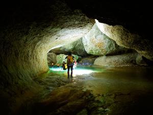 Descenso-barranco-Vero-Barranquismo-Sierra-de-Guara-Guías-de-Barrancos-Canyoning-Canyon-Guides-Mendi-eta-arroila-gidariak-Arroila-jeitsiera-19