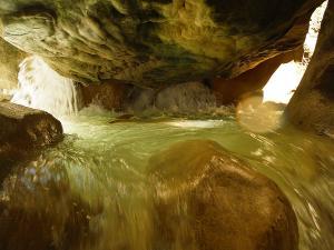 Descenso-barranco-Vero-Barranquismo-Sierra-de-Guara-Guías-de-Barrancos-Canyoning-Canyon-Guides-Mendi-eta-arroila-gidariak-Arroila-jeitsiera-4