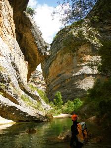 Descenso-barranco-Vero-Barranquismo-Sierra-de-Guara-Guías-de-Barrancos-Canyoning-Canyon-Guides-Mendi-eta-arroila-gidariak-Arroila-jeitsiera-9