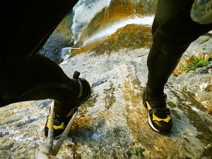 Descenso-Salto-Carpin-Barranquismo-en-Sobrarbe-Ordesa-Bujaruelo-Aínsa-Canyoning-Guías-de-Barrancos-Canyon-Guides-18