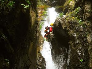 Barranco-Saratze-Barranquismo-Descenso-de-cañones-Canyoning-Iparralde-Kakueta-Holtzarte-Navarra-Guías-de-Barrancos-Canyon-Guides-6