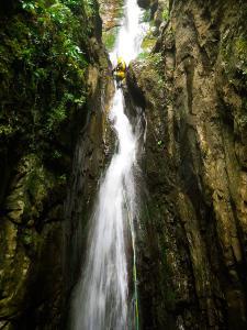 Barranco-Saratze-Barranquismo-Descenso-de-cañones-Canyoning-Iparralde-Kakueta-Holtzarte-Navarra-Guías-de-Barrancos-Canyon-Guides-9