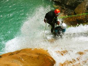 Deportes-aventura-descenso-de-cañones-Barranquismo-Pirineos-Siresa-16