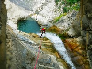 Garganta-SORROSAL-Barranquismo-en-Sobrarbe-Ordesa-Bujaruelo-Aínsa-Canyoning-Guías-de-Barrancos-Canyon-Guides-10