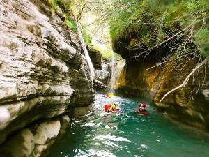 Garganta-SORROSAL-Barranquismo-en-Sobrarbe-Ordesa-Bujaruelo-Aínsa-Canyoning-Guías-de-Barrancos-Canyon-Guides-13