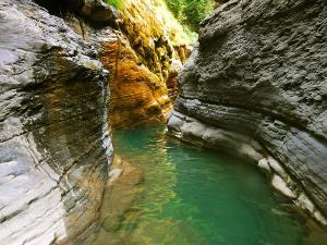 Garganta-SORROSAL-Barranquismo-en-Sobrarbe-Ordesa-Bujaruelo-Aínsa-Canyoning-Guías-de-Barrancos-Canyon-Guides-16