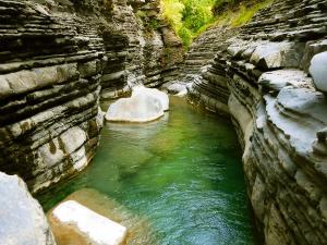 Garganta-SORROSAL-Barranquismo-en-Sobrarbe-Ordesa-Bujaruelo-Aínsa-Canyoning-Guías-de-Barrancos-Canyon-Guides-18
