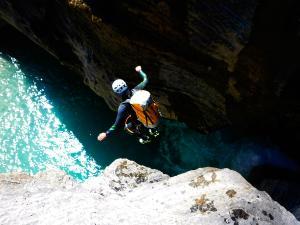 Garganta-SORROSAL-Barranquismo-en-Sobrarbe-Ordesa-Bujaruelo-Aínsa-Canyoning-Guías-de-Barrancos-Canyon-Guides-23