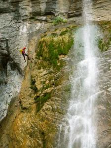 Garganta-SORROSAL-Barranquismo-en-Sobrarbe-Ordesa-Bujaruelo-Aínsa-Canyoning-Guías-de-Barrancos-Canyon-Guides-4