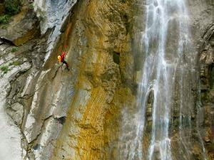 Garganta-SORROSAL-Barranquismo-en-Sobrarbe-Ordesa-Bujaruelo-Aínsa-Canyoning-Guías-de-Barrancos-Canyon-Guides-5