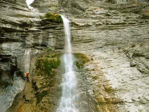 Garganta-SORROSAL-Barranquismo-en-Sobrarbe-Ordesa-Bujaruelo-Aínsa-Canyoning-Guías-de-Barrancos-Canyon-Guides-6