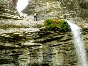 Garganta-SORROSAL-Barranquismo-en-Sobrarbe-Ordesa-Bujaruelo-Aínsa-Canyoning-Guías-de-Barrancos-Canyon-Guides-7