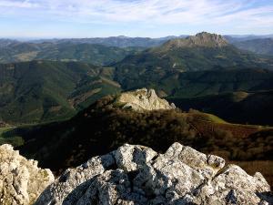 Senderismo-temático-Parque-Natural-de-Urkiola-Basque-Mountains-Mountain-Guides-12